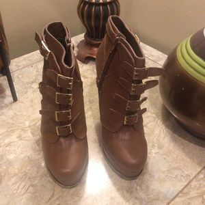 NWOT Shoedazzle brown stiletto boots size 7.5 Sexy